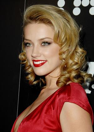 Amber Heard attends Hollywood Life magazine's 10th annual Young Hollywood awards in Hollywood on Apirl 10, 2008