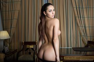 Helga Lovekaty for Bellada Semana