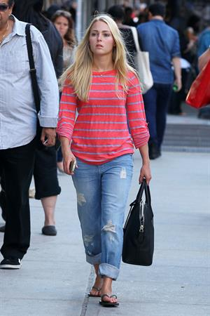 AnnaSophia Robb - out & about in New York City on Sept 12 2012