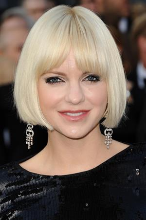 Anna Faris attends the 84th Annual Academy Awards on February 26, 2012