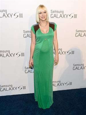 Anna Faris attends the Samsung Galaxy S III launch event in Los Angeles on June 21, 2012