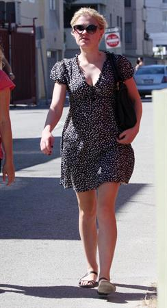 Anna Paquin out for a walk the day after her wedding in Venice California on August 22, 2010