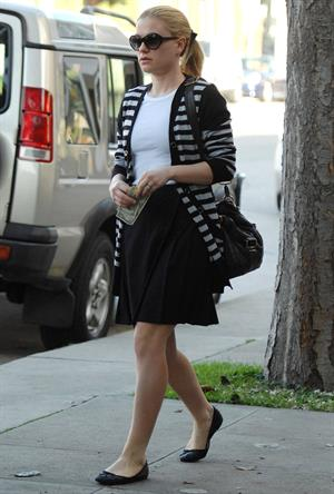 Anna Paquin at John Frieda Salon in Los Angeles on January 18, 2012
