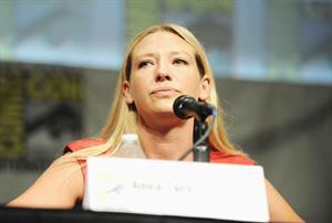 Anna Torv -  Fringe  press room at Comic-Con 2012 in San Diego (July 15, 2012)