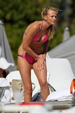 Anne Vyalitsyna bikini candids in Miami 11/23/12