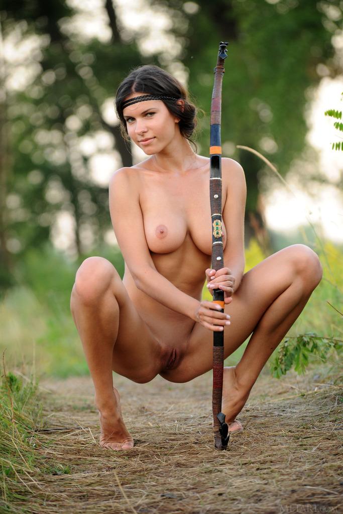 Nude hunter female — photo 13