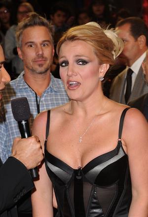 Britney Spears FOX's The Factor Season Finale results show in LA 12/20/12