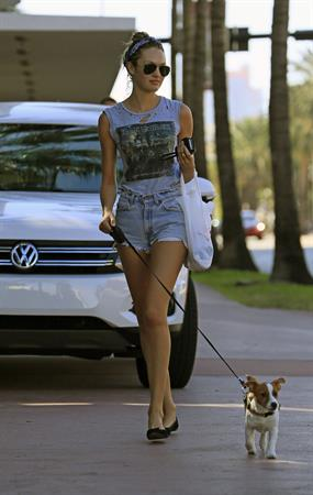 Candice Swanepoel out and about in South Beach 1/15/13