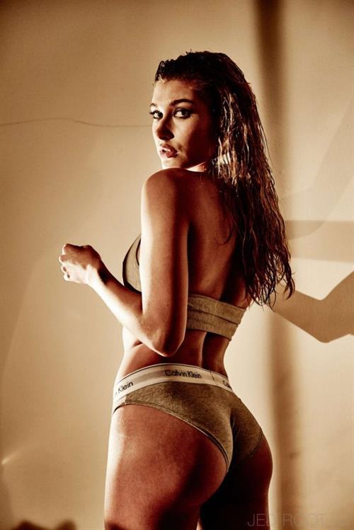 Hailey Baldwin in lingerie - ass