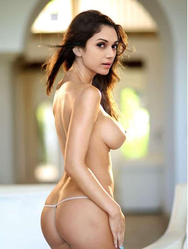 Melania trump nude modeling pics-6480