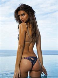 Emily Ratajkowski in a bikini - ass