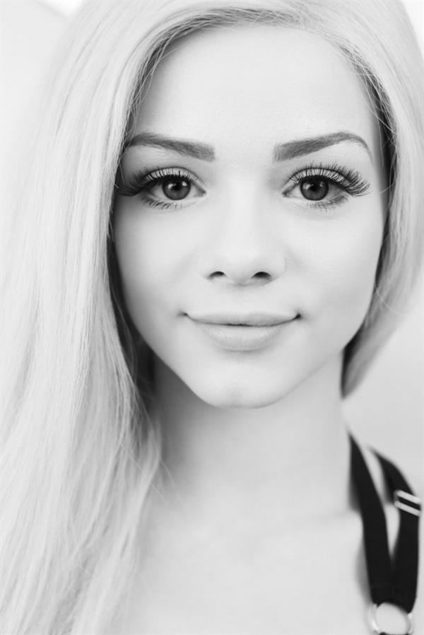 Pictures of elsa jean