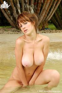 Alicia Cano - breasts