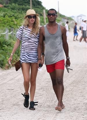 Doutzen Kroes bikini beach pictures in Miami August 16, 2012