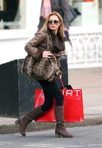 Geri Halliwell grabs a coffee in London February 4, 2013