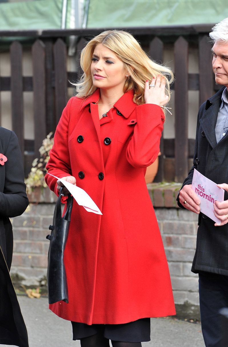 Holly Willoughby 'This Morning' London - November 6, 2012