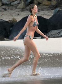 Toni Garrn in a bikini - ass