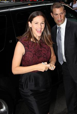 Jennifer Garner arrives at Good Morning America in NYC (Aug 15 2012)