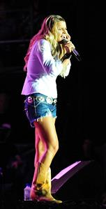 Jessica Simpson performs at the Country Thunder USA Festival in Twin Lakes