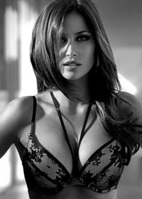 Isabela Soncini in lingerie