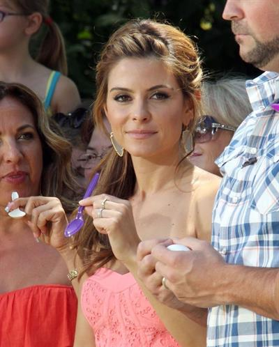 Maria Menounos on the set of 'Extra' at the Grove in LA 08.07.13