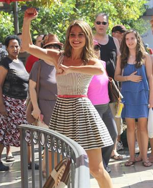 Maria Menounos - Crashes an interview & runs on stage on the show EXTRA LA on September 17, 2012
