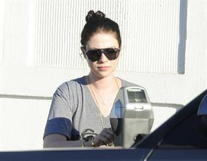 Michelle Trachtenberg shopping in Beverly Hills 9/12/13