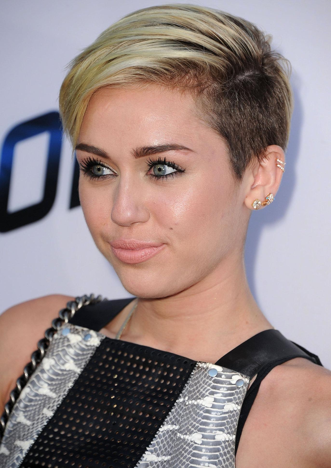 Miley Cyrus -1831