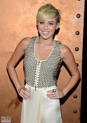 Miley Cyrus City Of Hope Gala Los Angeles (10/10/12)