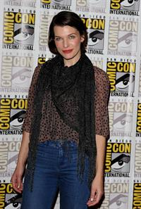 Milla Jovovich -  Resident Evil: Retribution  Press Room at Comic-Con 2012 in San Diego (July 13, 2012)
