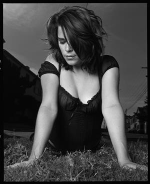 Neve Campbell - Matt Holyoaks Photoshoot