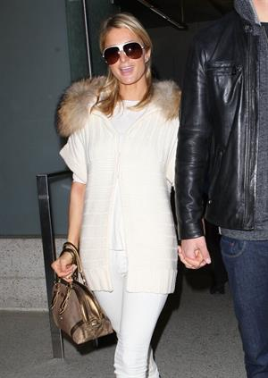 Paris Hilton arrives at Los Angeles International Airport (02.02.2013)