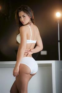 Natalia Vélez in a bikini - ass