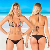 Marta Gotera in a bikini - ass