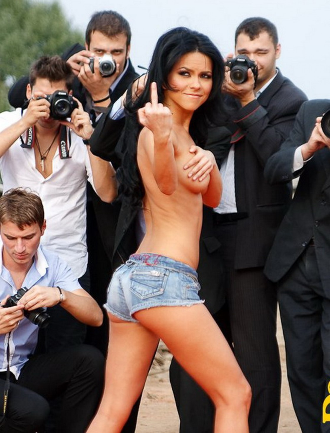 Topless inna Topless Femen