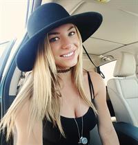 Nikki Leigh taking a selfie