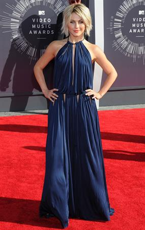 Julianne Hough at the 2014 MTV Video Music Awards, Inglewood August 24, 2014