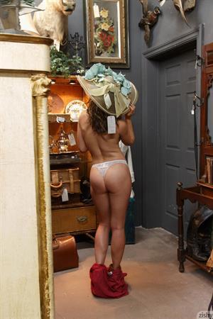 Sonya Flashing Tits