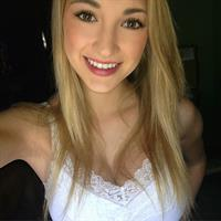 Anna Faith Carlson taking a selfie