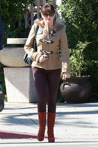 Rose Mc Gowan Has lunch with her boyfriend in LA 09.11.12