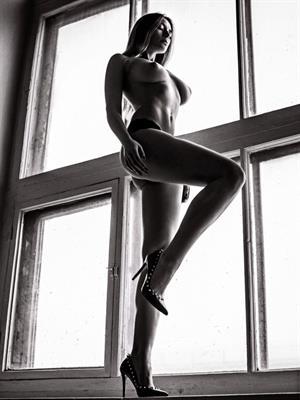 Russian model Olga Kobzar nude by Anton Vlasov (2016)