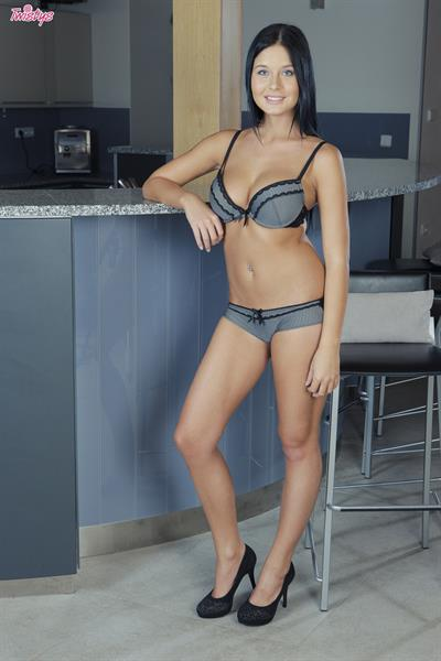 Perfect Body.. featuring Mia Manarote   Twistys.com