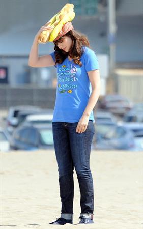 "Zooey Deschanel – ""New Girl"" set in Malibu 10/7/13"
