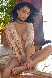 Raven Lyn Pictures