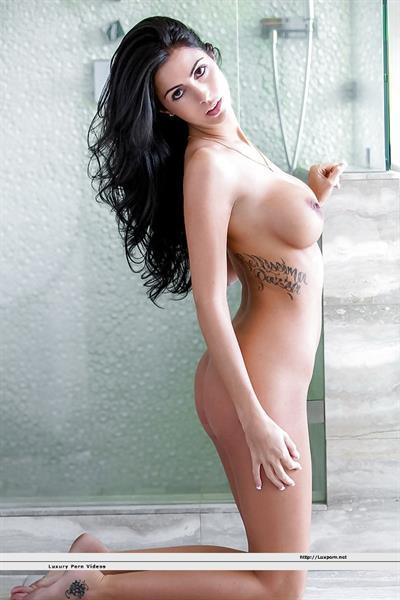 Ashlee Lynn - breasts