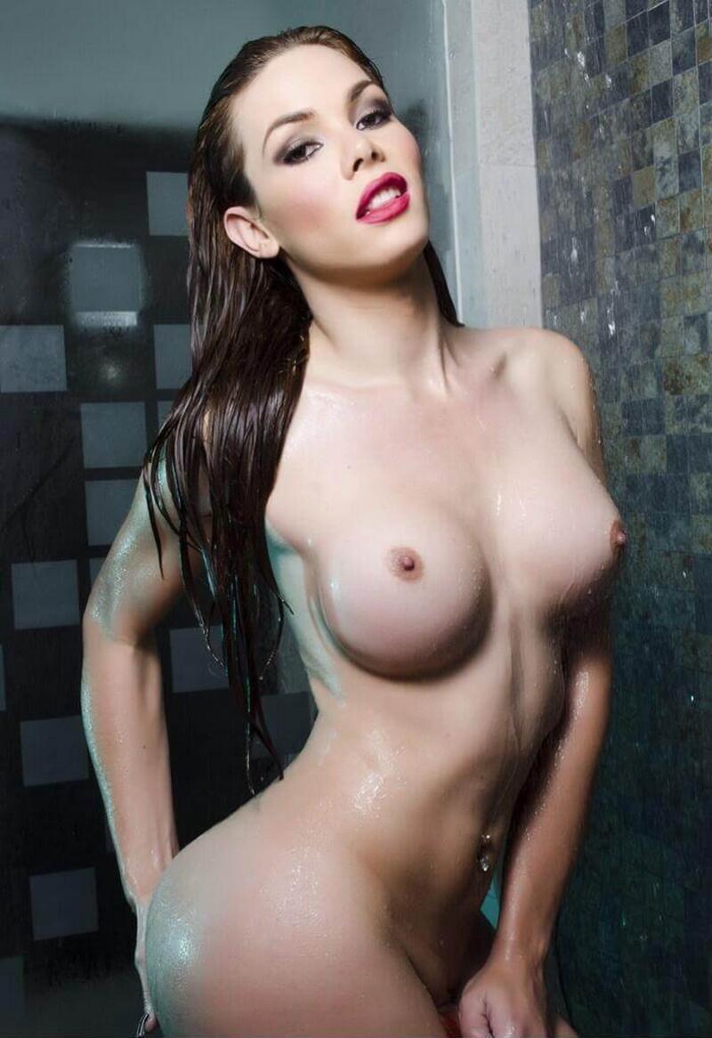 itzel naked gia