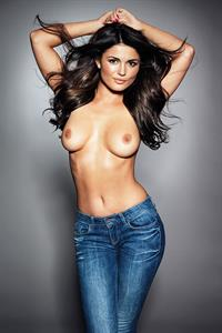 India Reynolds - breasts