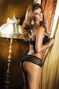 Carolina Cruz in lingerie - ass