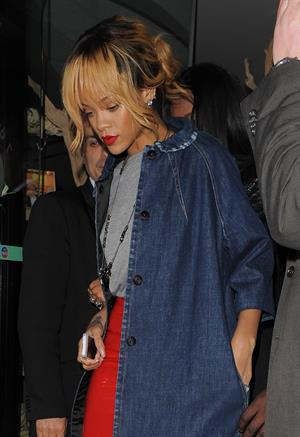 Rihanna enjoys a night out in Manchester (12.06.2013)