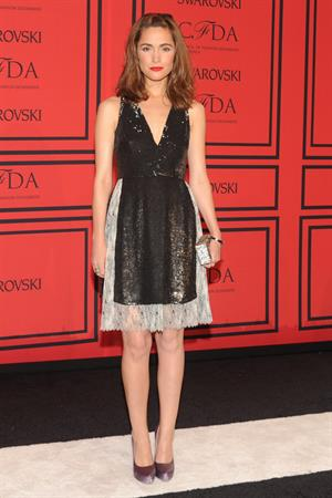 Rose Byrne CFDA Fashion Awards (New York, June 3, 2013)